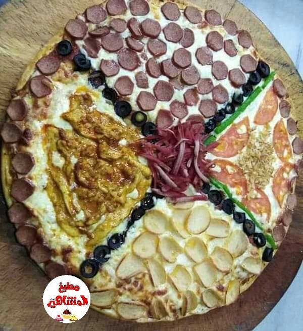 طريقة عمل بيتزا بالدجاج والسلامي