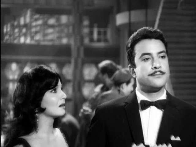 يوسف شعبان وشادية في فيلم زقاق المدق